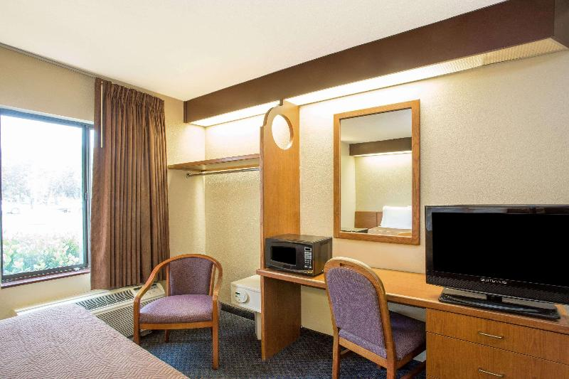 Room Travelodge By Wyndham Fort Myers Airport