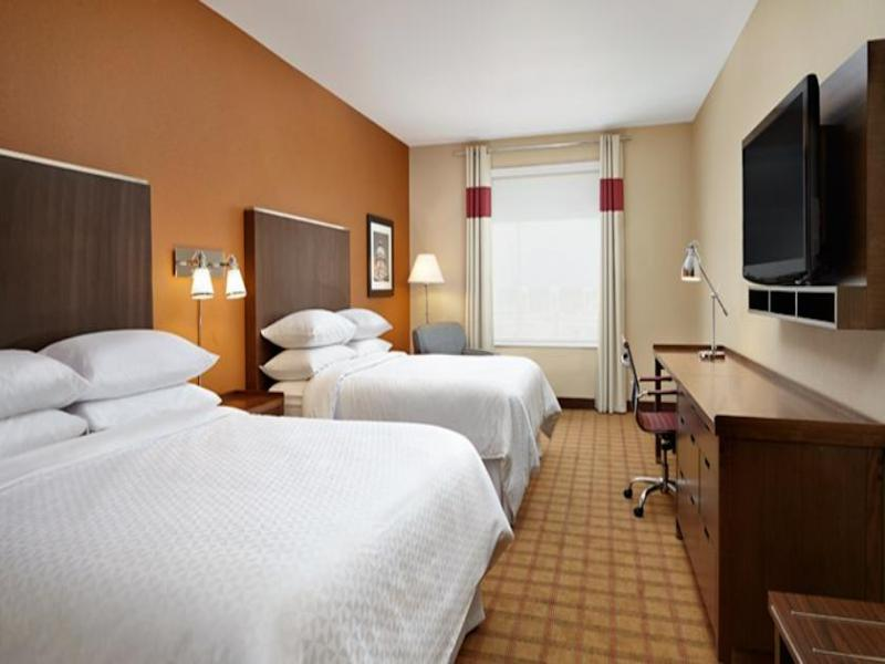 Room Four Points By Sheraton Edmonton International Air