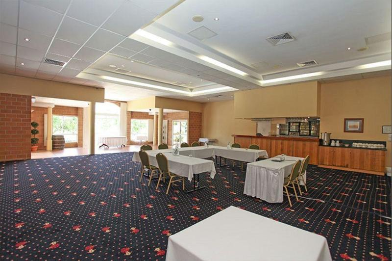 General view Windmill Motel & Reception Centre