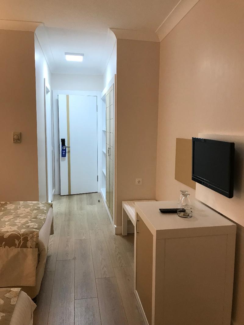 Dafne Hotel - Hotel - 1