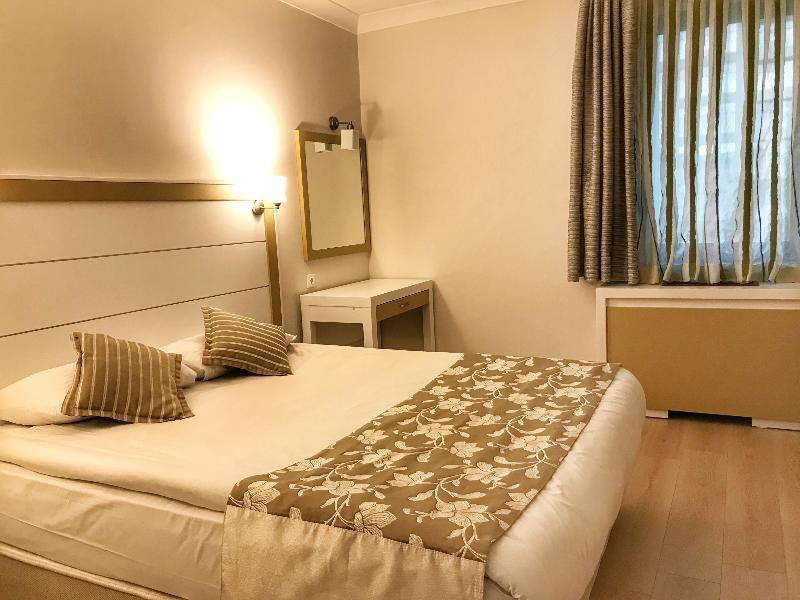 Dafne Hotel - Room - 4