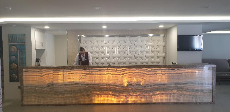 Lobby Marti Beach Hotel