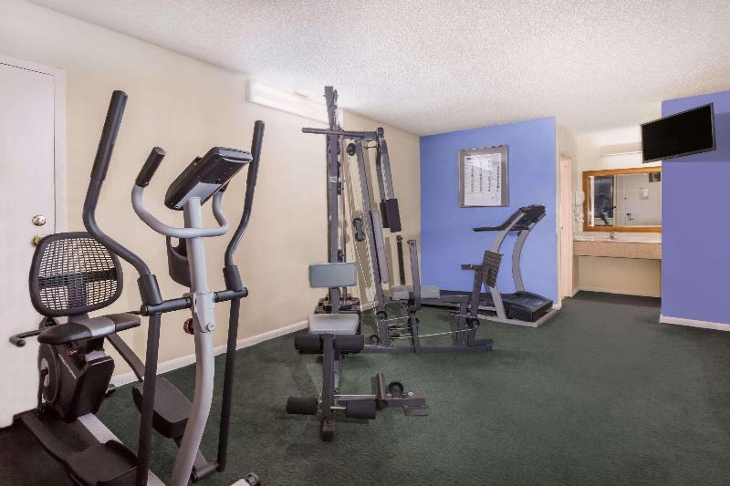 Sports and Entertainment Days Inn By Wyndham College Park Airport Best Road