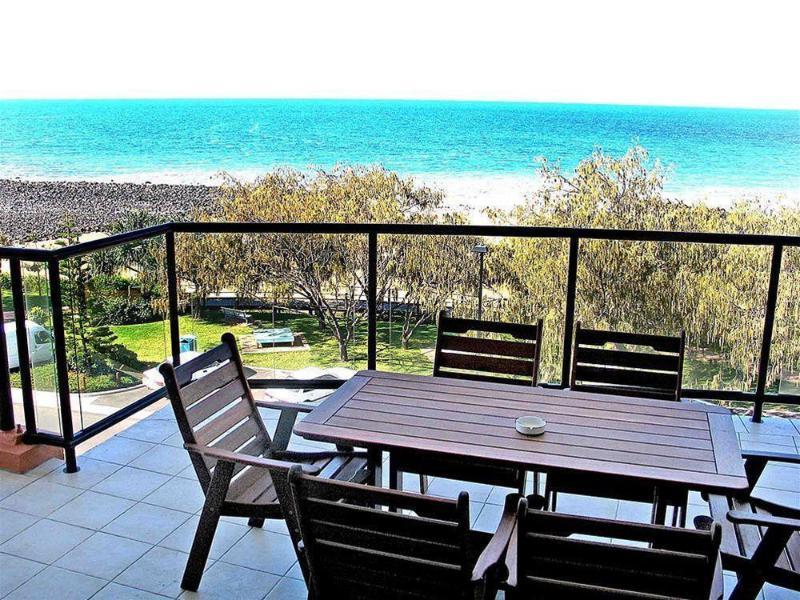 General view Kacys Bargara Beach Motel
