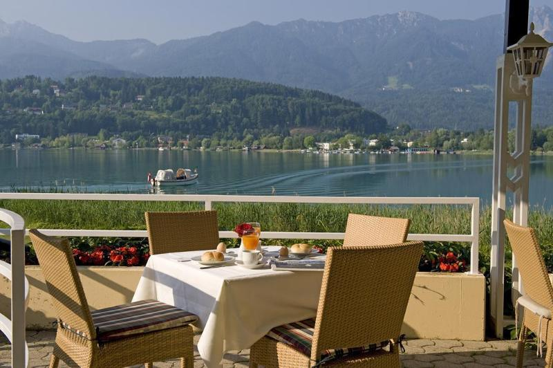 General view Inselhotel Faakersee