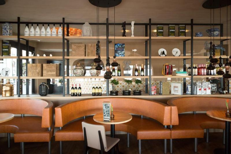 General view Hotel Café Restaurant Monopole