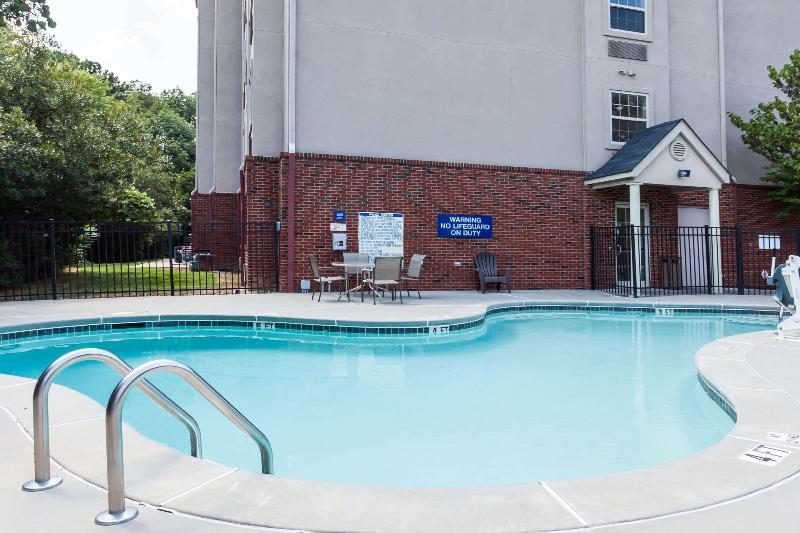 Pool Microtel Inn & Suites By Wyndham Conyers Atlanta