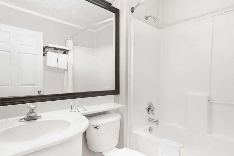 General view Days Inn & Suites By Wyndham Sugarland/stafford