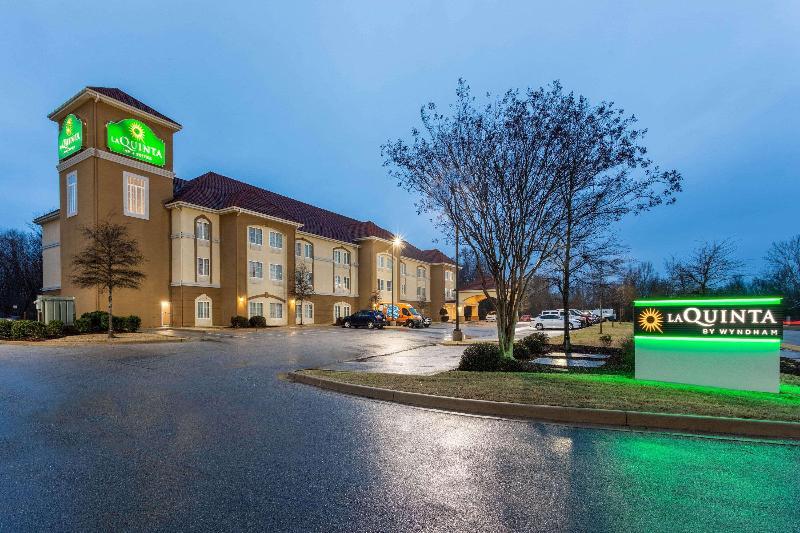 General view La Quinta Inn & Suites Huntsville Airport Madison