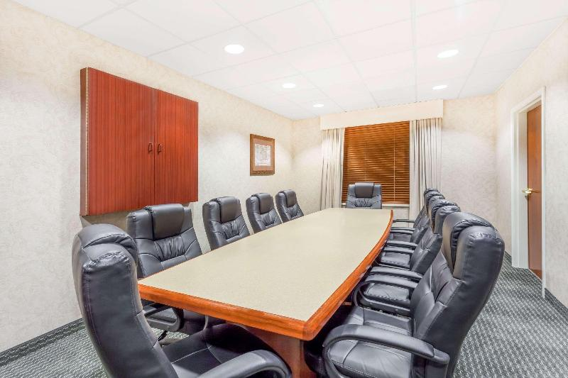 Conferences Wingate By Wyndham Helena Airport