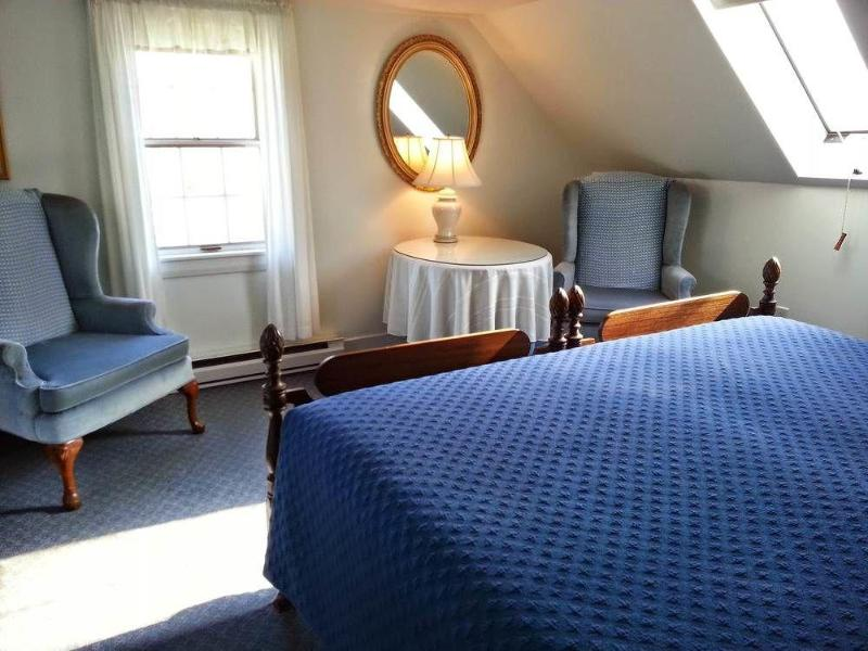 General view Chetwynd House Inn