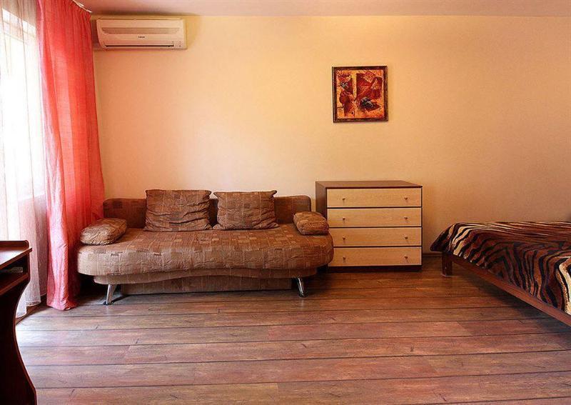 Lesi Ukrainki Studio Kiev Apartment