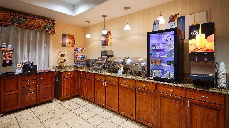 Restaurant Best Western Plus Executive & Suites