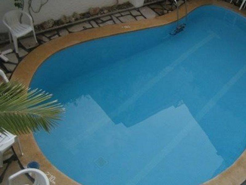Pool Mar Eden