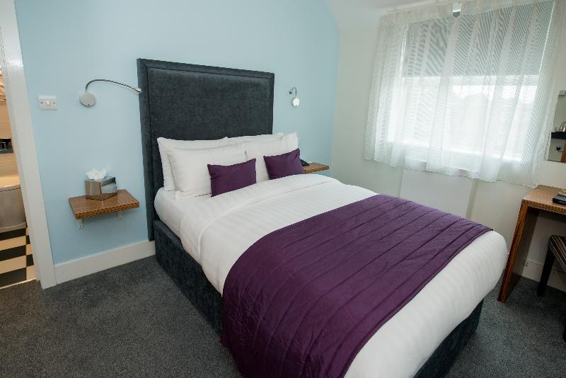 The Stanwell Heathrow - Room - 8