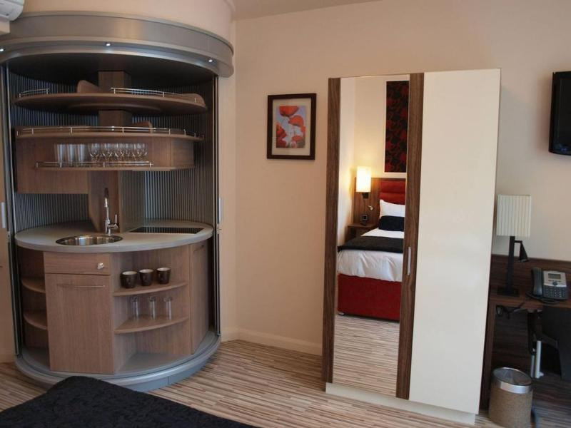 Room Simply Rooms & Suites
