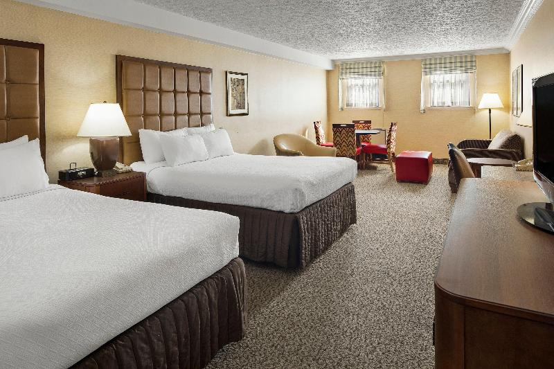 Crowne Plaza Louisville Airport Kentucky Expo Cent - Room - 1