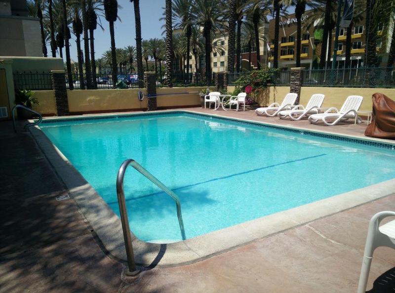General view Anaheim Islander Inn And Suites