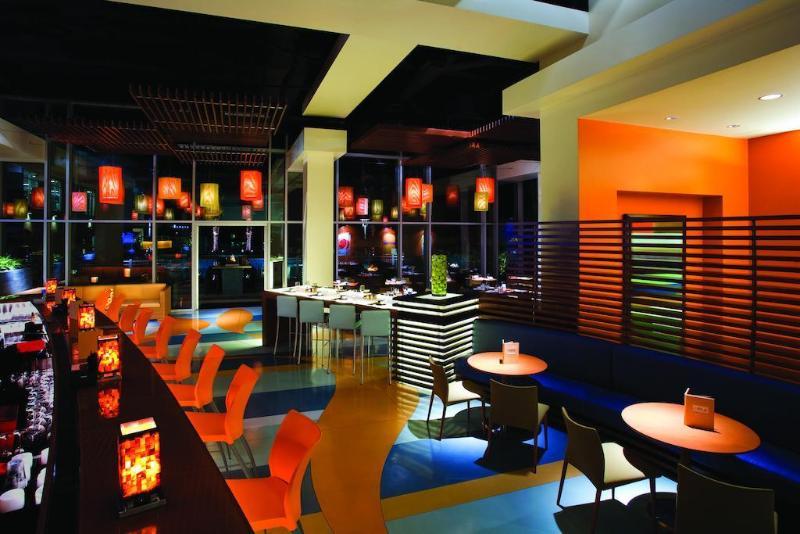 Restaurant Renaissance Clubsport Aliso Viejo