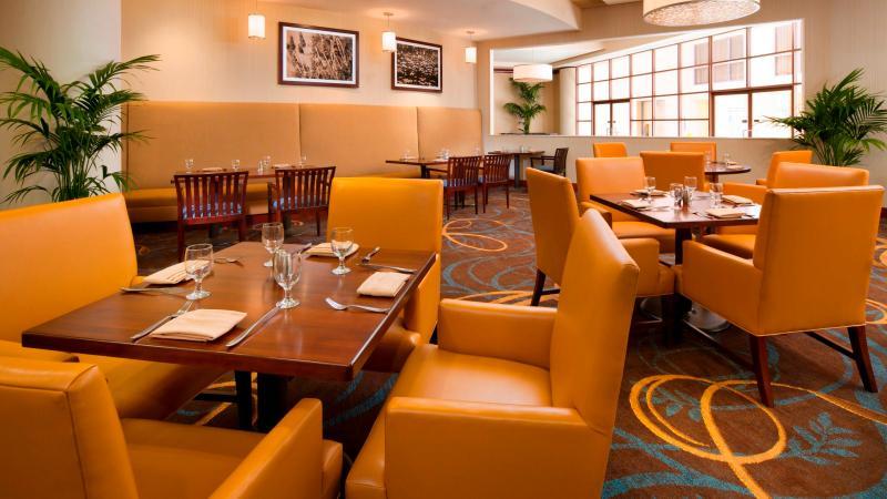 Restaurant Sheraton Agoura Hills