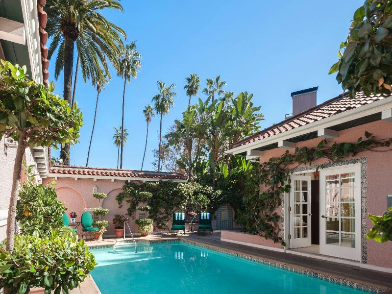 The Beverly Hills - Pool - 1