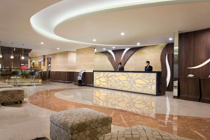 Lobby Best Western Rose Quartz Inn