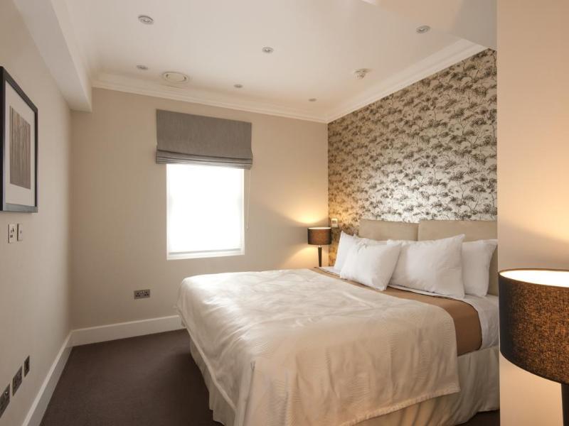 Room Chilworth Court