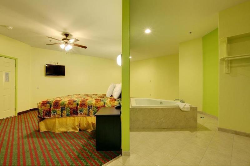 General view Americas Best Value Inn & Suites