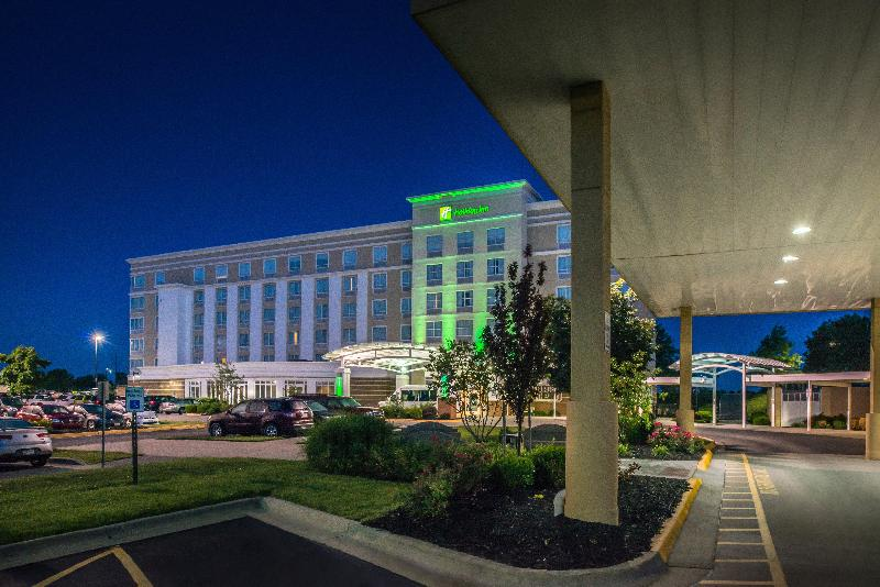 General view Holiday Inn Kansas City Airport