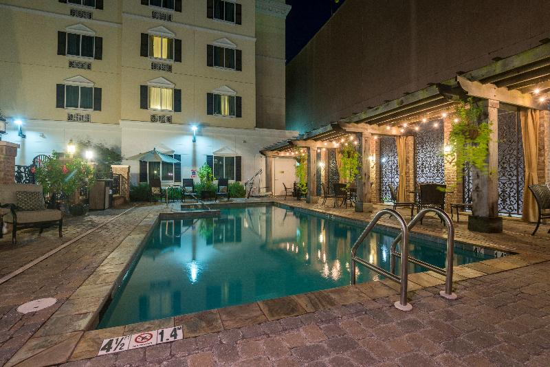 Pool Candlewood Suites Mobile-downtown