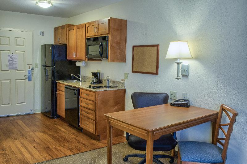 Room Candlewood Suites Mobile-downtown