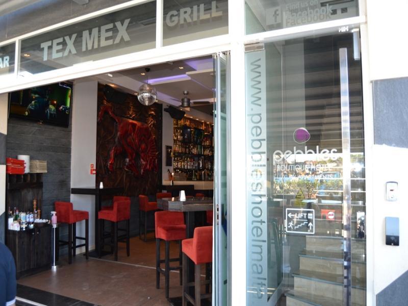 Restaurant Pebbles Boutique Aparthotel