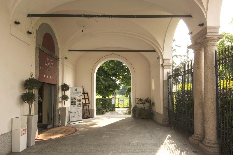 Lobby Ih Hotels Parco Borromeo Monza Brianza
