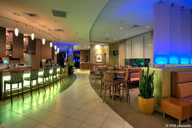 Bar Crowne Plaza Milwaukee West