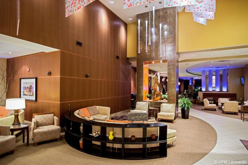 Lobby Crowne Plaza Milwaukee West