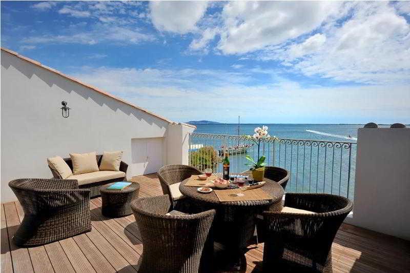 Terrace Port Rive Gauche