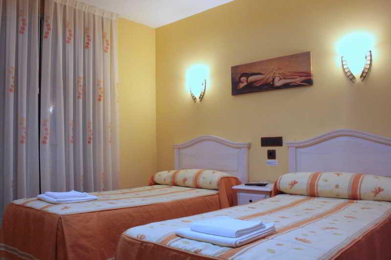 Room Hostal Regio
