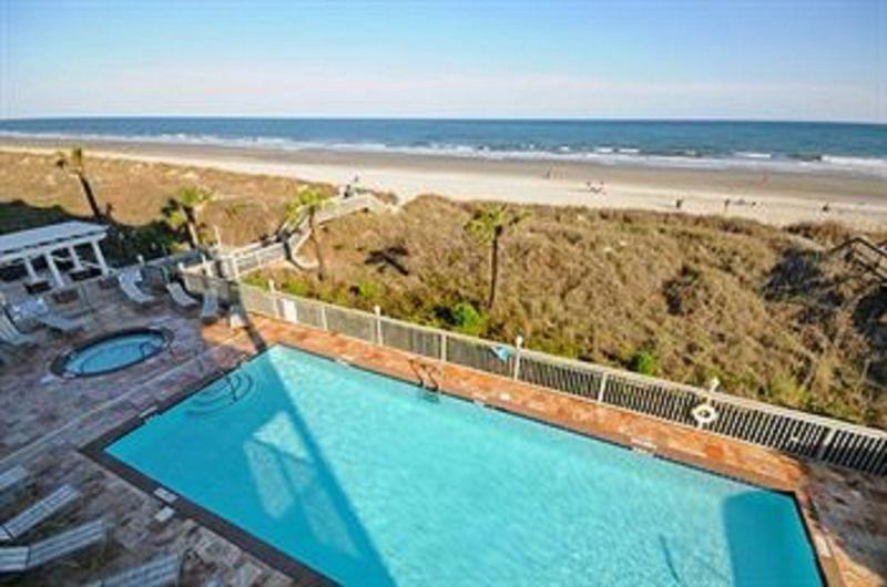 General view Atlantis Villas By Elliott Beach Rentals