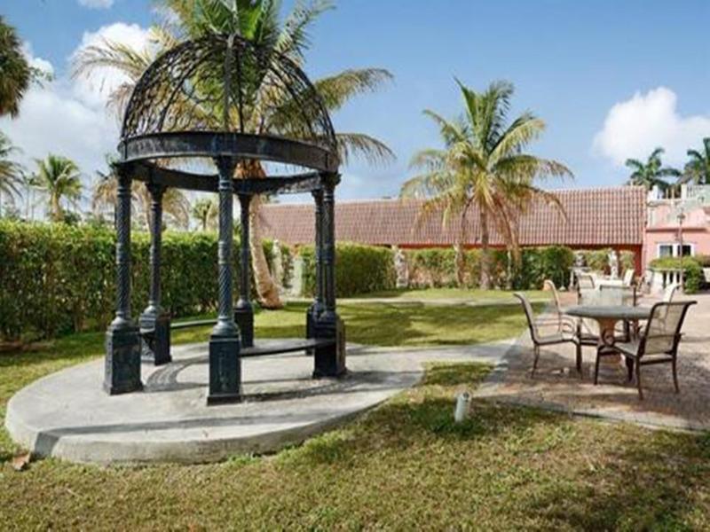 Terrace Roma Golden Glades Resort