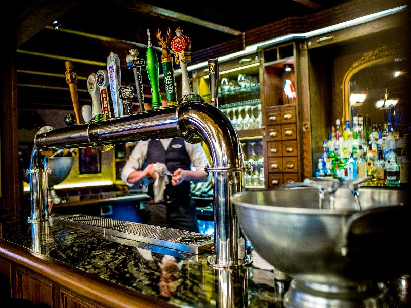 The Lord Nelson Hotel & Suites - Bar - 11