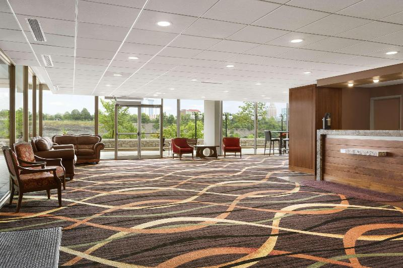 Lobby Travelodge By Wyndham Niagara Falls Fallsview