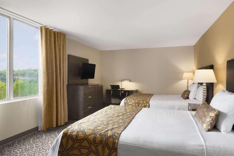 Room Travelodge By Wyndham Niagara Falls Fallsview