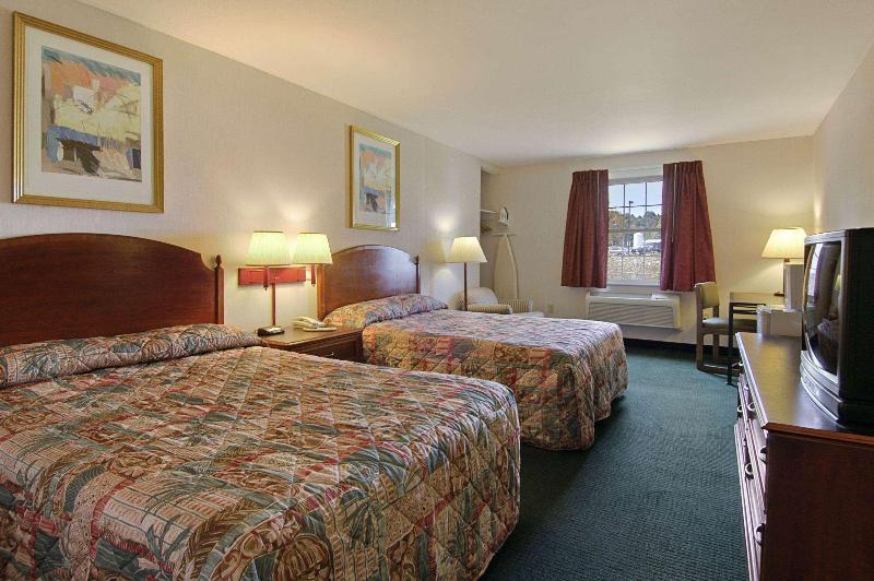 Room Howard Johnson By Wyndham Williamstown