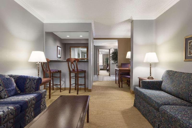 Days Inn - Ottawa West - Room - 12