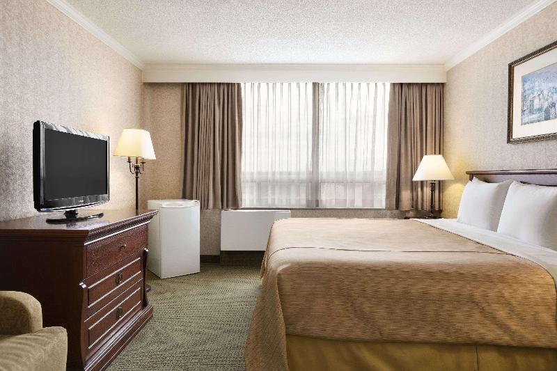 Days Inn - Ottawa West - Room - 11