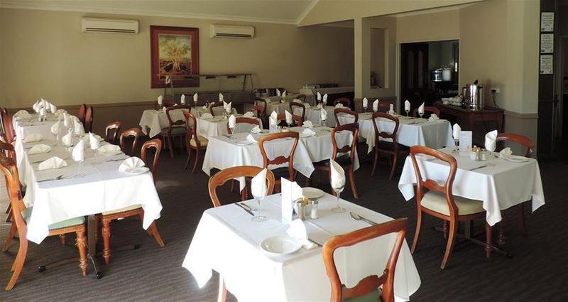 Restaurant Quality Inn Burke & Wills