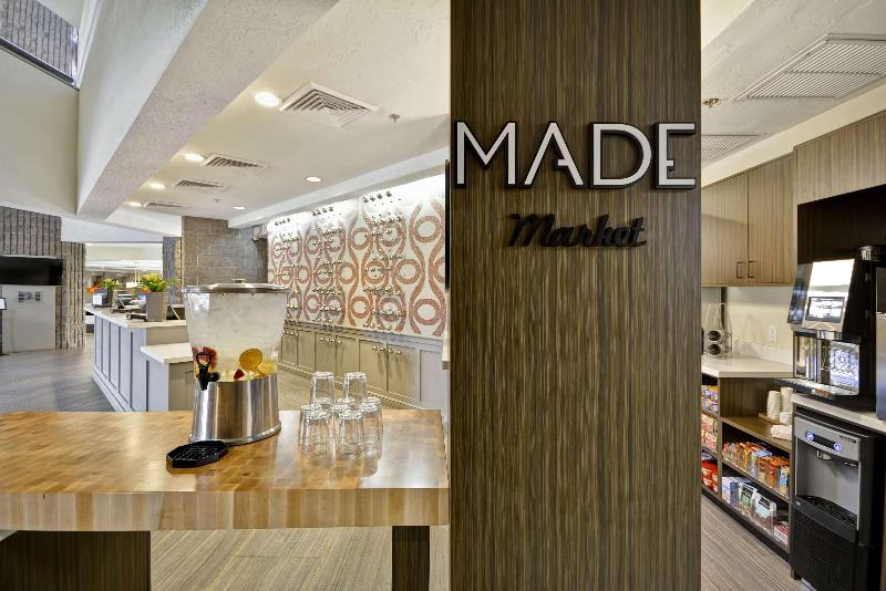 Restaurant Doubletree By Hilton Phoenix North, Az