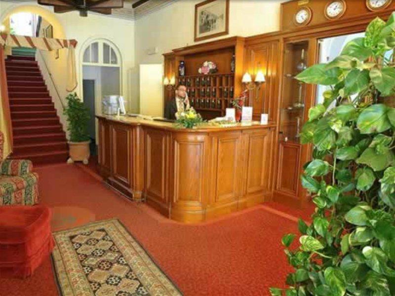 VILLA KINZICA HOTEL - Hotel - 2