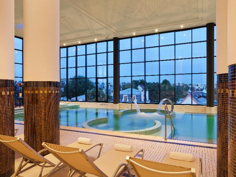 Grand Hotel Barriere d'Enghien-les-Bains - Pool - 12