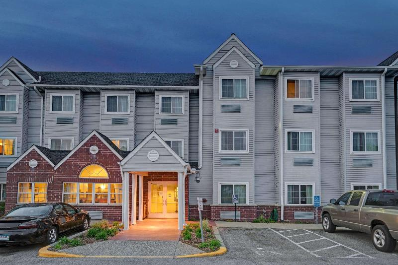 General view Microtel Inn & Suites By Wyndham Inver Grove Heig